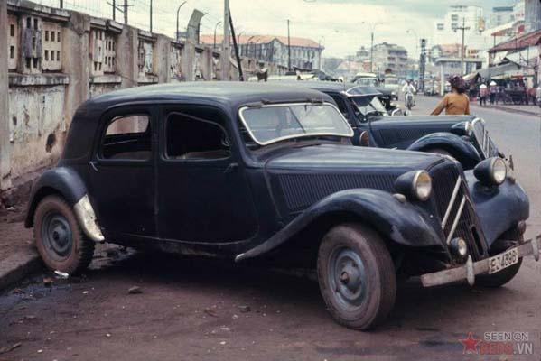 Tháng 6/1969. Những chiếc taxi liên tỉnh hiệu Citroel Corporal đỗ ven đường Phạm Ngũ Lão.