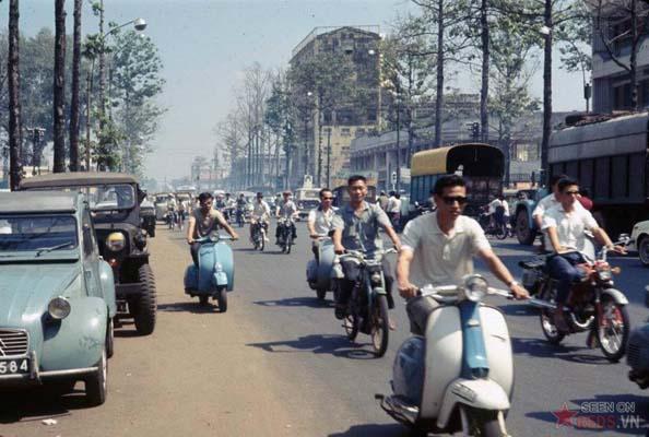 Tháng 10/1968. Giao thông trên đường Trần Hưng Đạo.