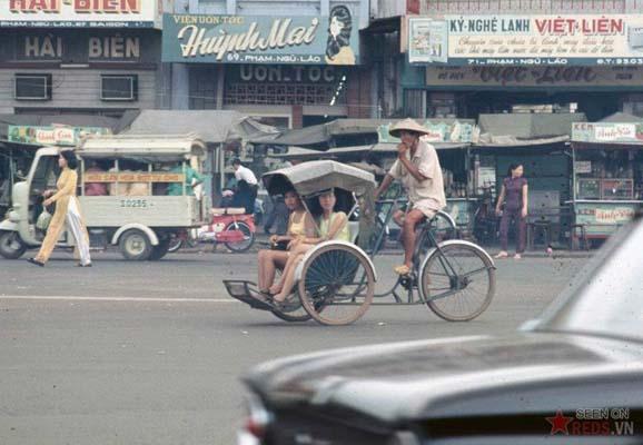 Tháng 11/1968. Trên đường Phạm Ngũ Lão.