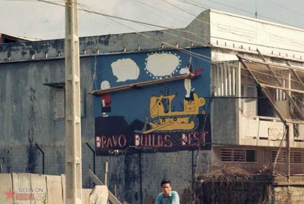 Tháng 1/1969. Hình vẽ ngộ nghĩnh trên phố.