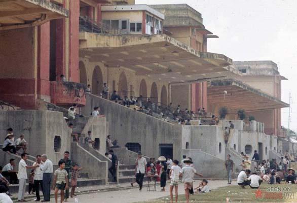 Tháng 1/1969. Trường đua Phú Thọ trước giờ khai cuộc.