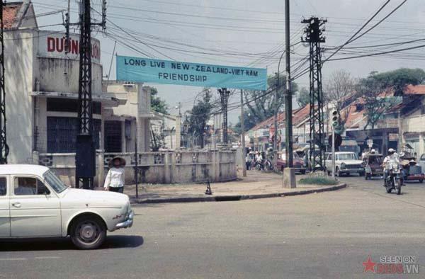 Tháng 10/1968. Nơi giao cắt giữa hai phố Lê Văn Duyệt và Hồng Thập Tự.