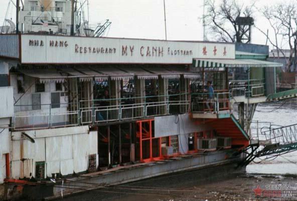 Tháng 2/1969. Nhà hàng nổi Mỹ Cảnh trên sông Sài Gòn.