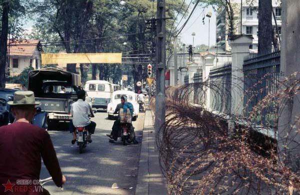 Tháng 10/1968. Đường Hồng Thập Tự.