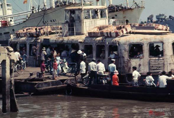 Tháng 2/1969. Phà qua sông Sài Gòn.