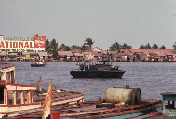 Tháng 3/1969. Tàu tuần tra của lính Mỹ trên sông Sài Gòn.
