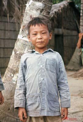 Tháng 4/1969. Một đứa trẻ ở huyện Nhà Bè.